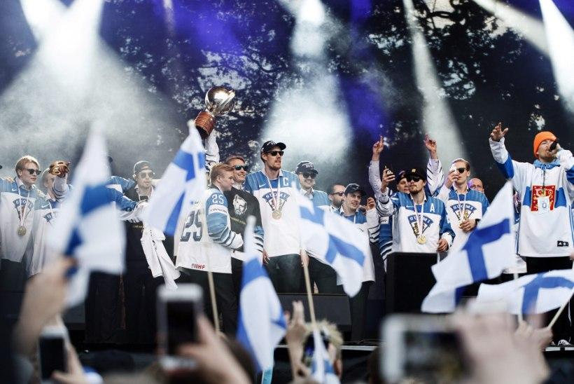 FOTOD JA VIDEOD | Soome hokikoondist võtsid Helsingis vastu kümned tuhanded vaimustunud inimesed