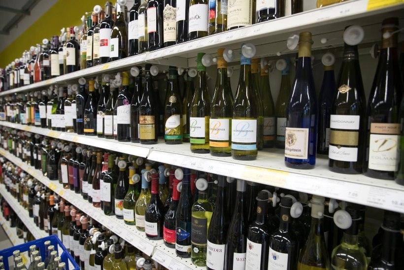 Valitsus langetab alkoholiaktsiisi 25 protsenti! Sotsiaalminister aktsiisi langetamist ei toetanud