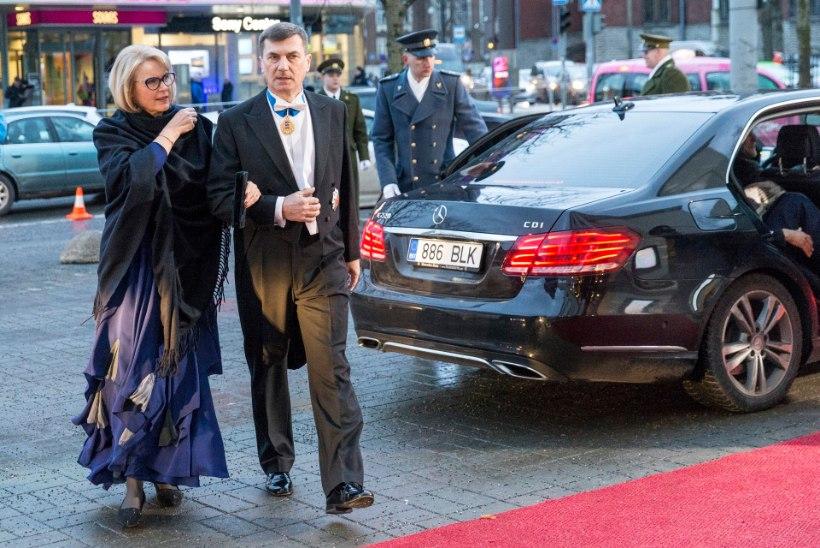 VISIITSUHTED: Brüsselisse kolivate eurosaadikute kaasad jäävad igatsedes kodumaale