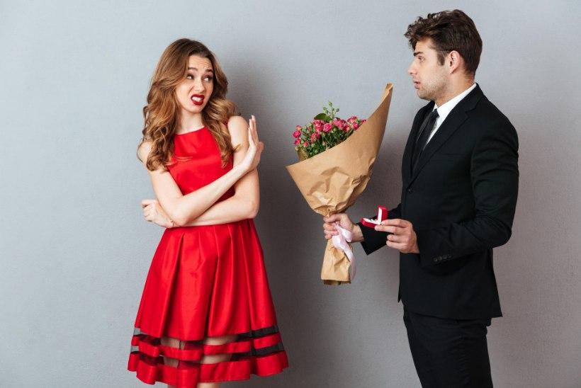 Профессор: незамужние и бездетные женщины – самые счастливые