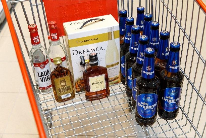 Alkoholiaktsiisi langetamise seletuskiri riigikogule: maksutulu langeb kindlasti, hinnad poes võib-olla