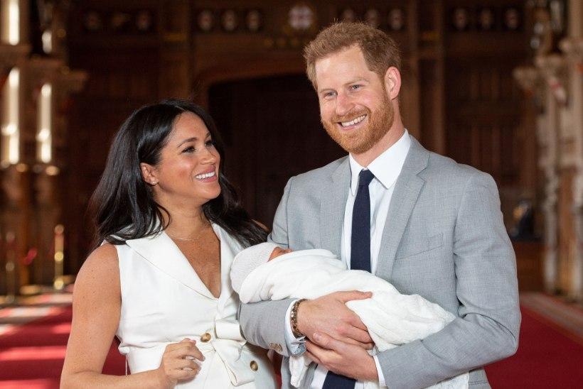 Britid hämmingus: beebi Archie peab hirmsa müra keskel magama
