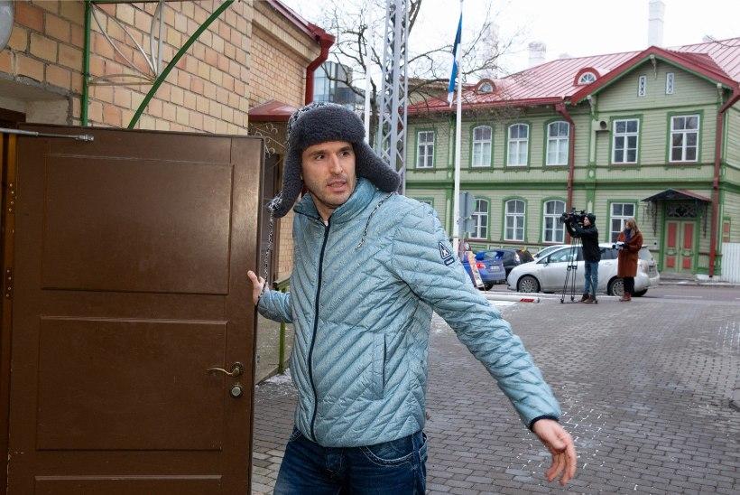 Poliitikast pausi pidav Rainer Vakra maandab stressi puutööga