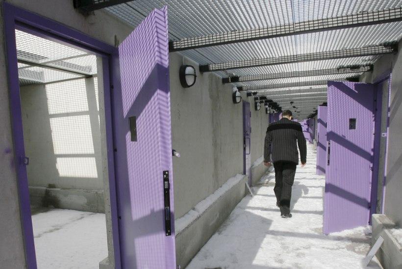 KAOS VANGLASÜSTEEMIS: vanglates on täitmata üle 200 töökoha