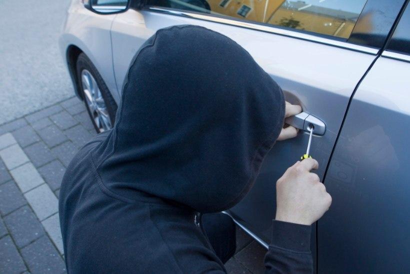 TEOLT TABATUD: politsei nabis kinni kaks leedulasest autovarast