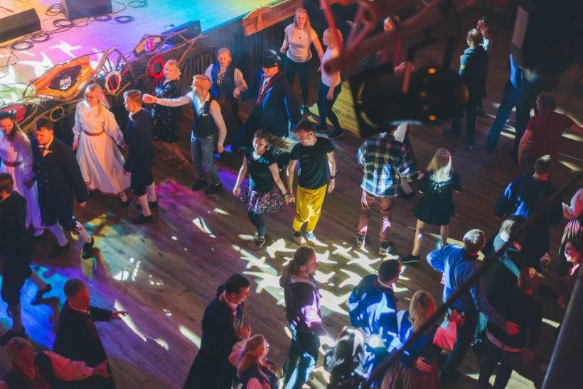 GALERII | Moostes algas Eesti rahvamuusikatöötluse festival