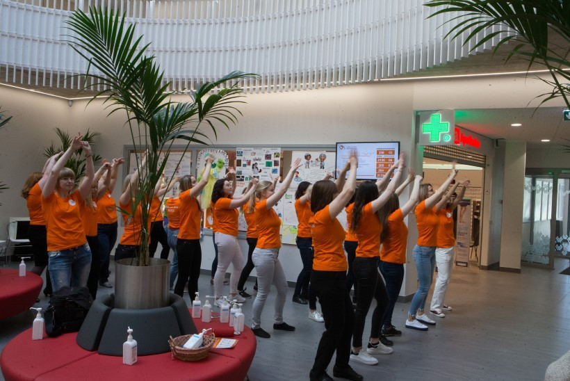 LÕBUS VIDEO JA GALERII | Lääne-Tallinna keskhaigla tähistas kätehügieenipäeva tantsuga