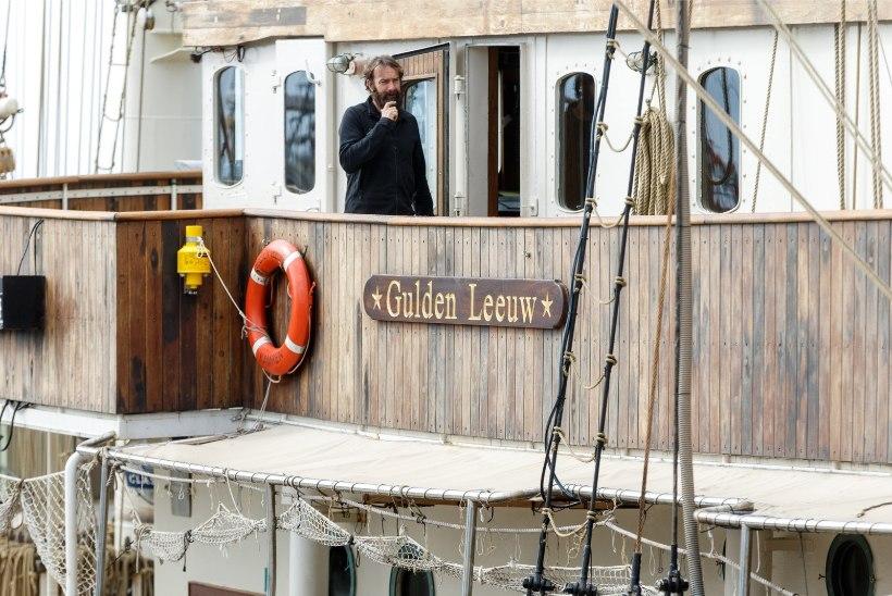 GALERII | Tallinnat väisab võimas Hollandi purjelaev