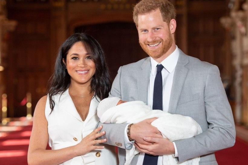 KUNINGLIK BEEBI: Meghan ja Harry näitasid lõpuks maimukest!