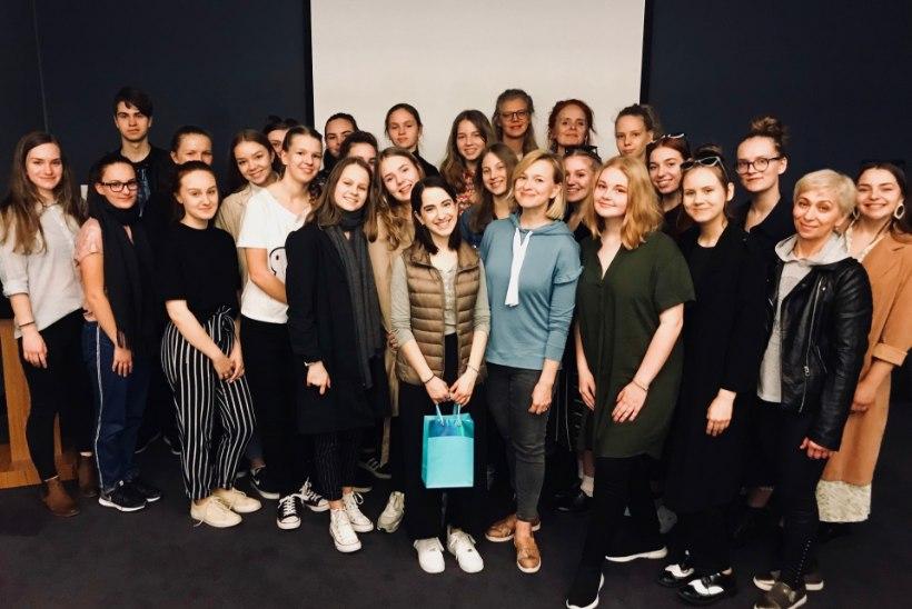 VÕIMAS KOGEMUS: Hanna-Liina Võsa viis Eesti muusikalinoored Broadwayl suurele lavale