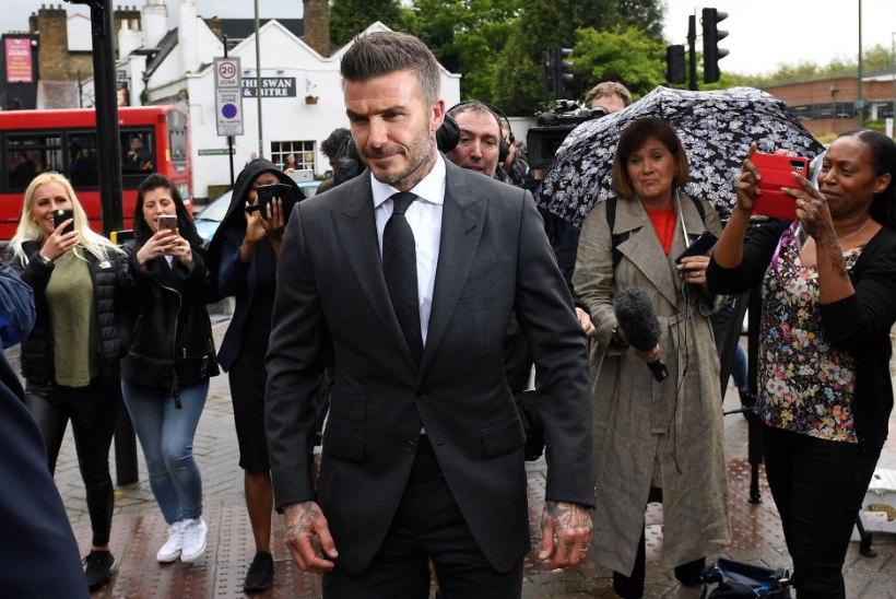 David Beckham näppis roolis telefoni ja jäi kuueks kuuks juhiloast ilma
