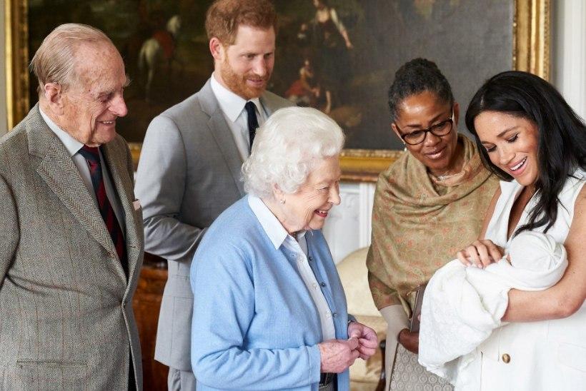 HUVITAV VALIK! Prints Harry ja Meghan Markle avaldasid kuningliku beebi nime