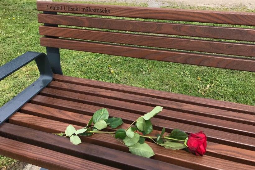 FOTOD    Lembit Ulfsaki auks paigaldati nimeline mälestuspink