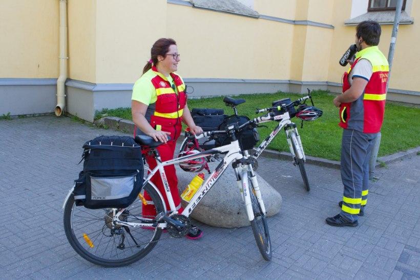 Сегодня к работе приступает велопатруль Таллиннской скорой помощи