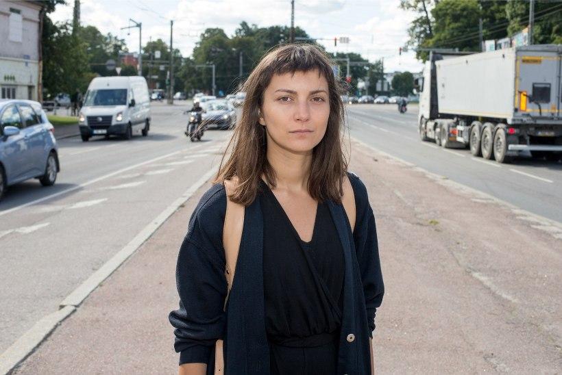 KLÕPS   Viimase vindi peal beebiootel Zuzu Izmailova kolab mööda ehituspoode