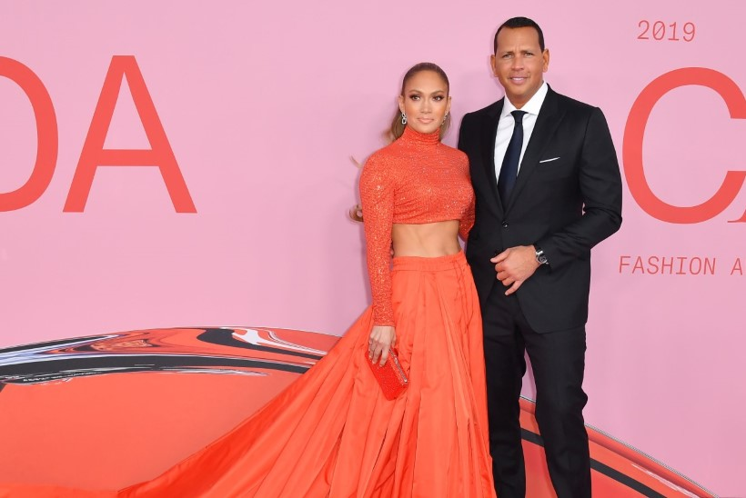 Jennifer Lopez tunnistati ametikult moeikooniks