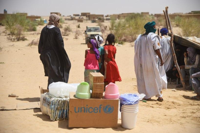 Malis sai ööpimeduses korraldatud rünnakus surma ligi 100 külaelanikku