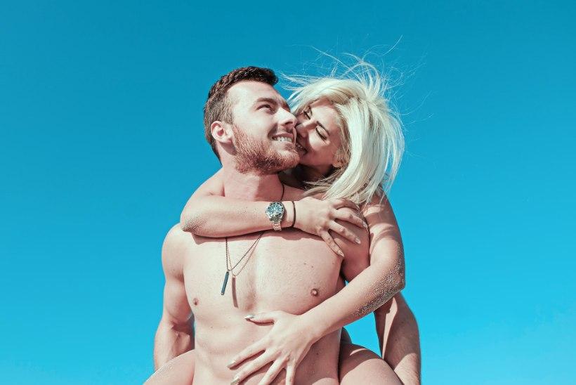 SEKS KAHE NAISEGA! Need 5 seksifantaasiat erutavad mehi ja naisi kõige rohkem