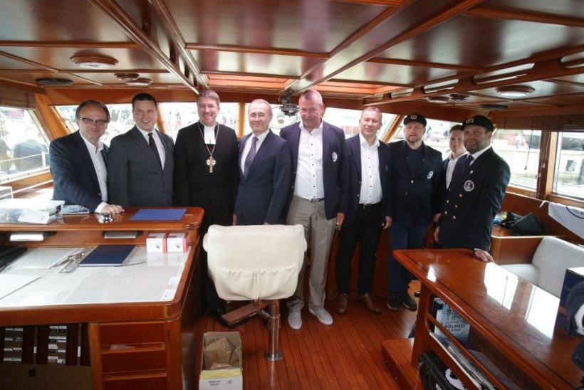 GALERII | Merel ateiste ei ole ehk Peapiiskop õnnistas Antarktika-laeva