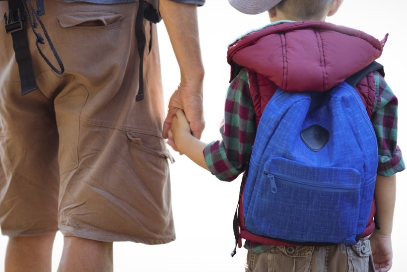 Välismaalasest elukaaslane viis eestlanna lapse Eestist minema: kas tegemist on lapserööviga või ametnike tegevusetusest tingitud JOKK-skeemiga?