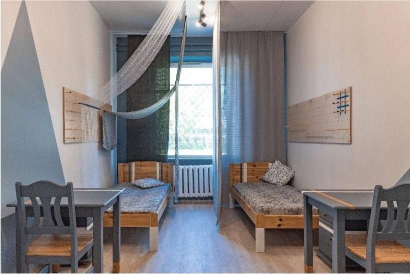 EKA sisearhitektuuri tudengid lõid Tallinna Laste Turvakeskuse poistele uue magamistoa lahenduse