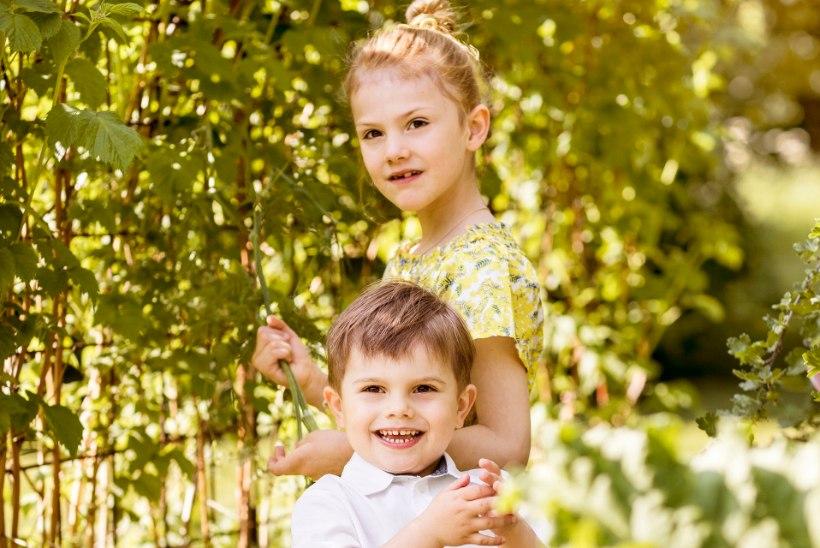 PUHKUS KÄES! Printsess Estelle ja prints Oscar naudivad uutel fotodel suve
