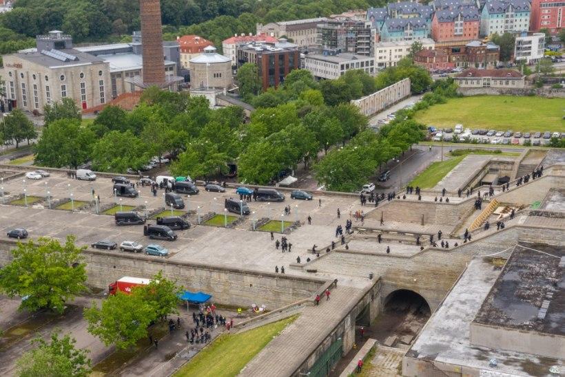ÕL VIDEO JA FOTOD | Linnahalli katusel on peaproovid filmimiseks täies hoos