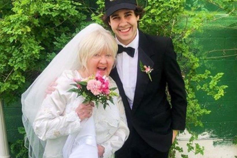 YouTube'i täht abiellus oma parima sõbra emaga