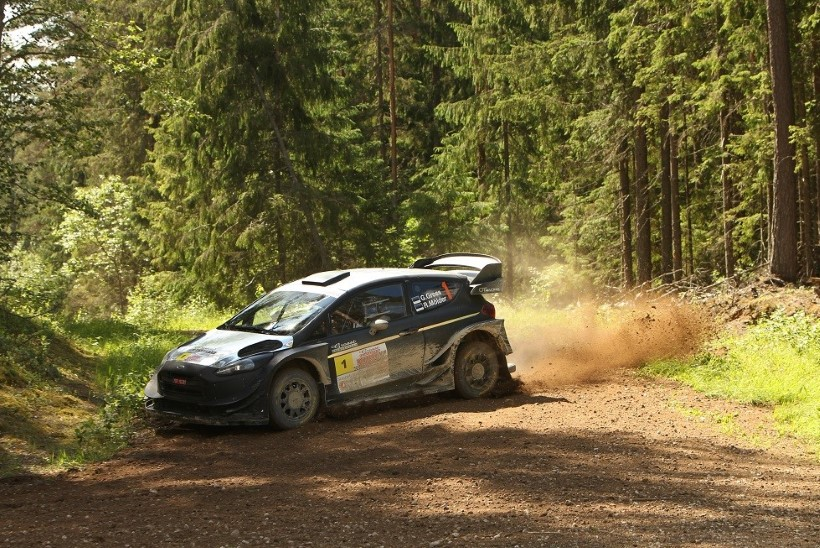 Viru rallil toimunud kahe WRC-masina heitluse võitis Georg Gross