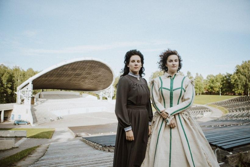 Kaks Koidula-näitlejannat: kuidagi peame oma suurkujusid hoidma ka nüüd, kui oma rahatähti enam ei ole