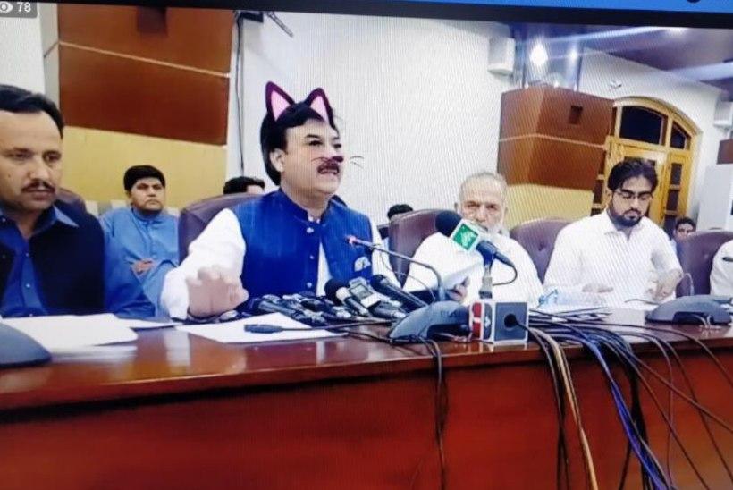 KASS-POLIITIK: Pakistani ministri ametnik lisas ülemusele lustaka kassifiltri