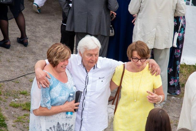 GALERII | Ivo Linna tähistas Kuressaare lossihoovis 70. sünnipäeva võimsa kontserdiga
