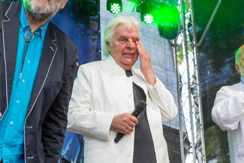 Juubelikingitus tõi Ivo Linnale pisarad silmi