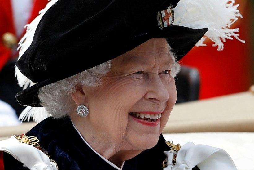 Veider kõmu või midagi enamat: kas kuninganna Elizabeth II peanuppu ehivad parukad?