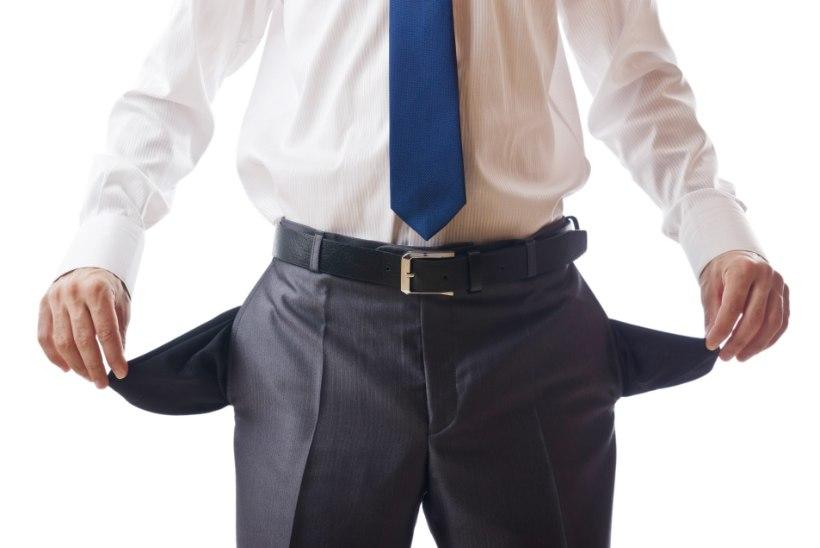 KUMMALINE JUHTUM: maksuametnikud leidsid advokaadi taskutest üle 30 000 euro