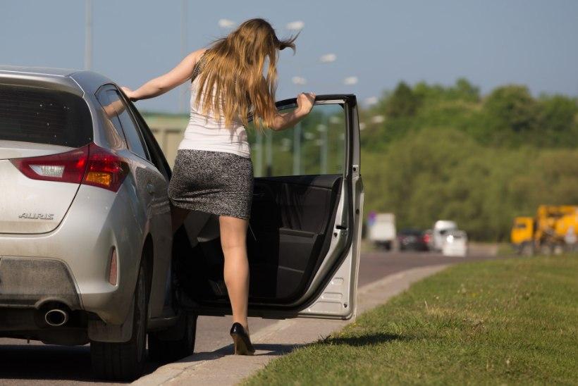 VAESED JA MÕNITATUD: noored prostituudid leiavad endale kliente internetist