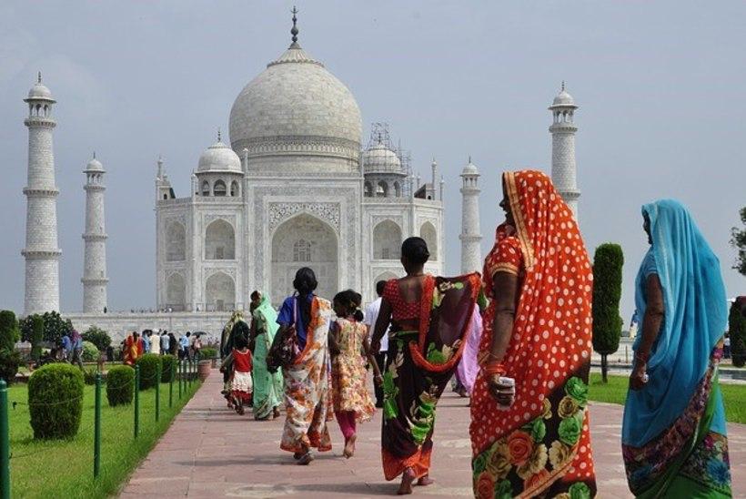 Tahad Taj Mahali juures pool päeva passida? Saad trahvi!