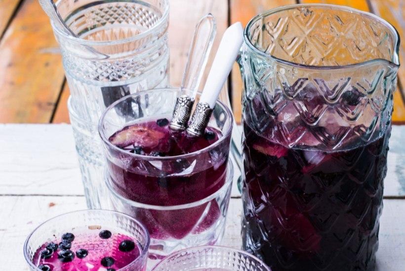 Kihisev janukustutus! Valmista kodune limonaad mustikatest ja ingverist