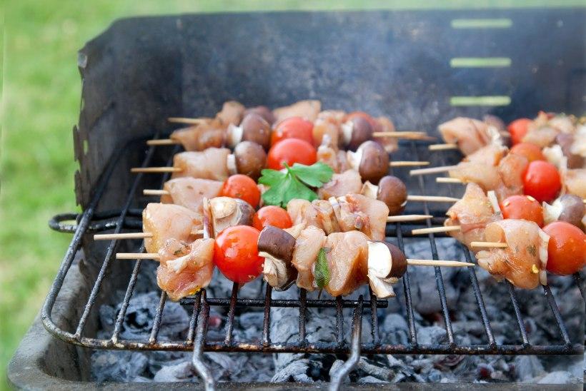GRILL VÄLJA: jaanipäev nõuab nii liha kui juurikaid