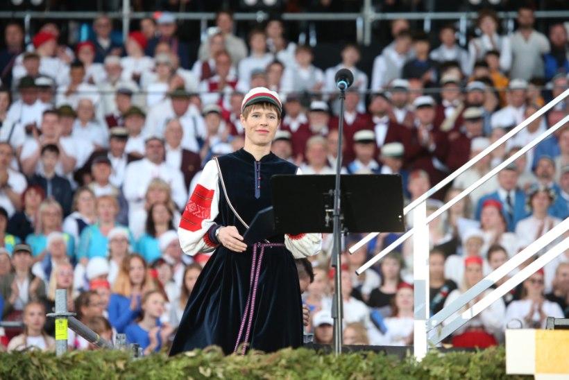 GALERII   President ühines Tartu laulupeolistega!