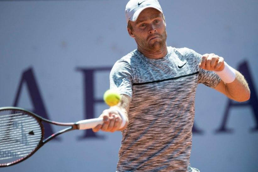 Eesti parim meestennisist sai Wimbledoni suurel slämmil valusa kaotuse, nukker seeria jätkub