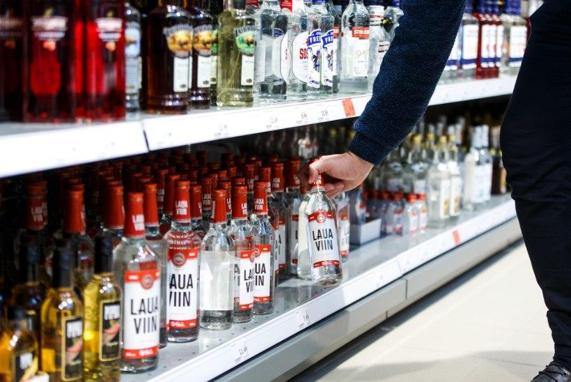 Millal jõuab odavam õlu ja viin poodi? Kauplused ja viinatootjad loodavad, et laulupeo ajaks