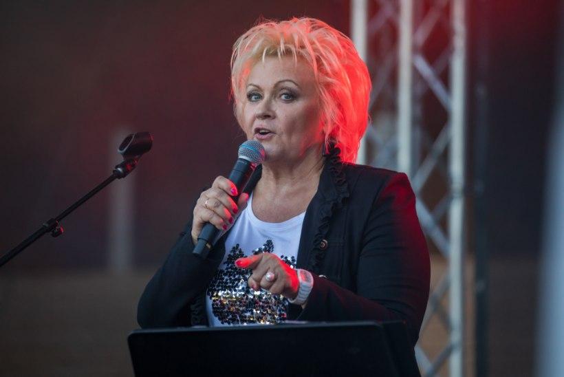 """MINU LAULUPIDU I Anne Veski: """"Seda ei unusta eales, kui laulukaare all kõlab """"Mu isamaa"""" ja kõik nutavad."""""""
