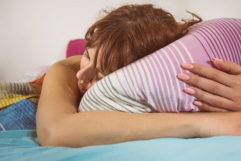 LAISKADELE: neli tõhusat nippi, mis aitavad vormi saada... magades!