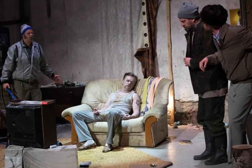 """Teatrikunstnik Iir Hermeliin: """"Ma pole nii rabavalt koledat kujundust kui """"Kirvetüüle"""" kunagi varem teinud."""""""