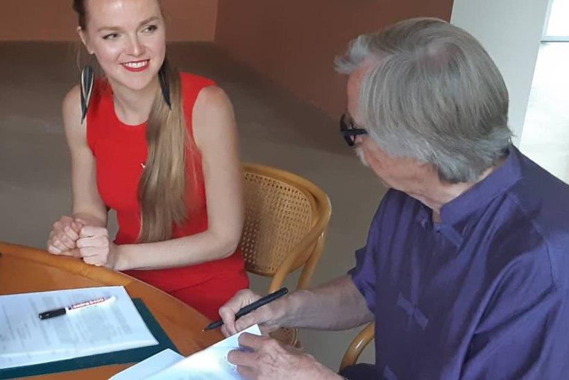 FOTO | Kadri Voorand allkirjastas Berliinis oma karjääri tähtsaima lepingu