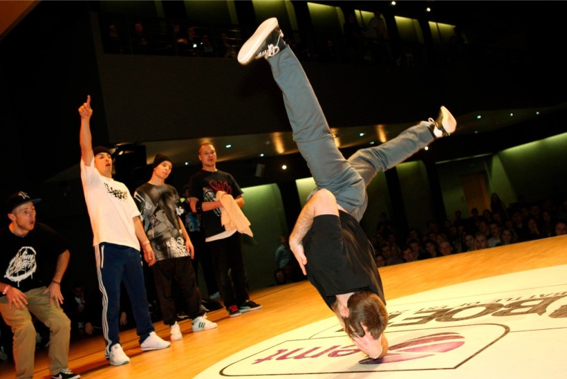 Tantsusport kinnitati ametlikuks olümpiaalaks