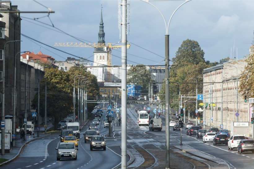 Pane tähele! Nolani filmivõtted toovad nädalavahetusel Pärnu maanteel liikluspiirangud