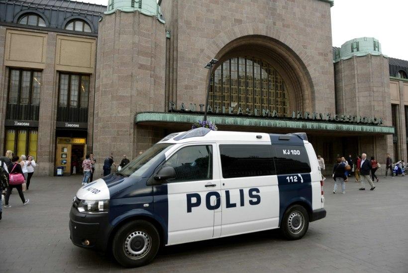 RIIGIPIIR EI PÄÄSTA: Soome politsei on saatnud Eesti kihutajatele juba 70 trahvikirja