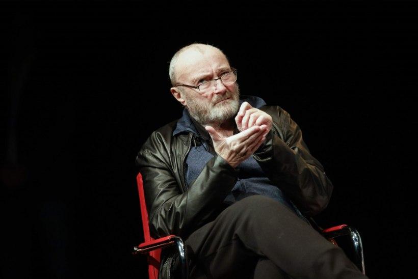 Muusikalegend Phil Collins taastub raskest operatsioonist ja liigub ratastooliga
